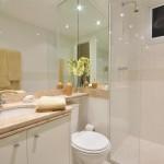 Armario branco com tamponamento para WC